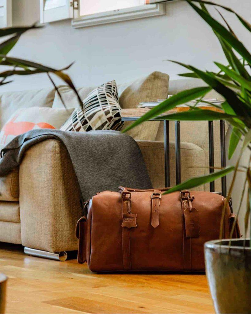 Vintage-Child-leather-weekend-away-bag-819x1024