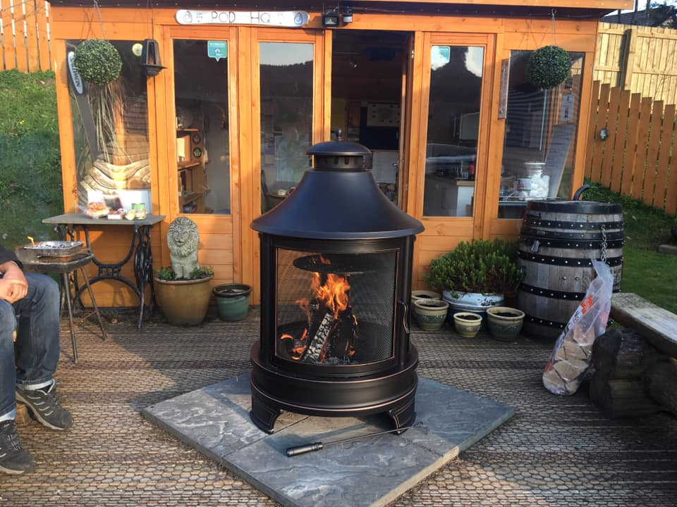 aviemore-glamping eriskay pods fire pit