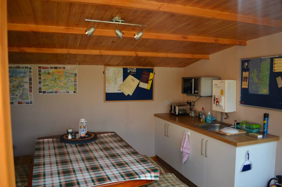 aviemore-glamping eriskay pods bothy kitchen