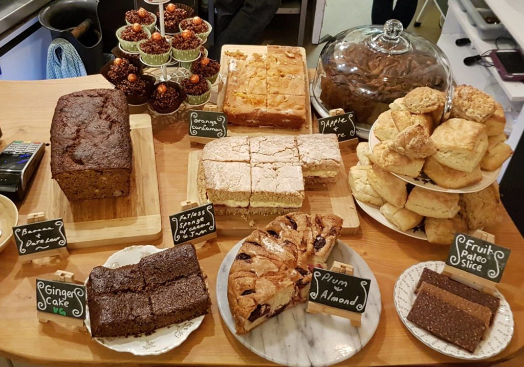 courtyard-cafe-lyme-regis cakes