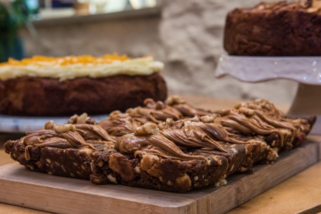 courtyard-cafe-lyme-regis cake