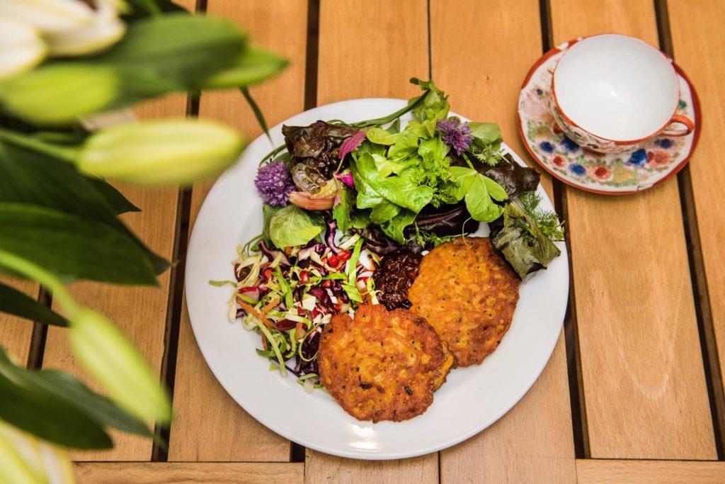 courtyard-cafe-lyme-regis lunch