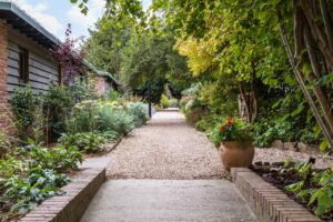 eastbury hotel in sherborne - garden path