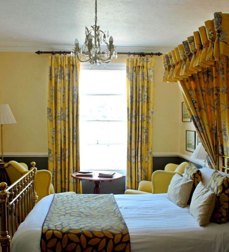 bedroom 14 at the royal castle hotel in Dartmouth