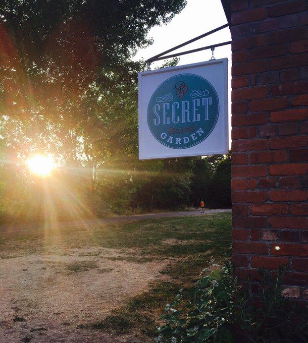 secret garden cafe in cardiff - sing for cafe