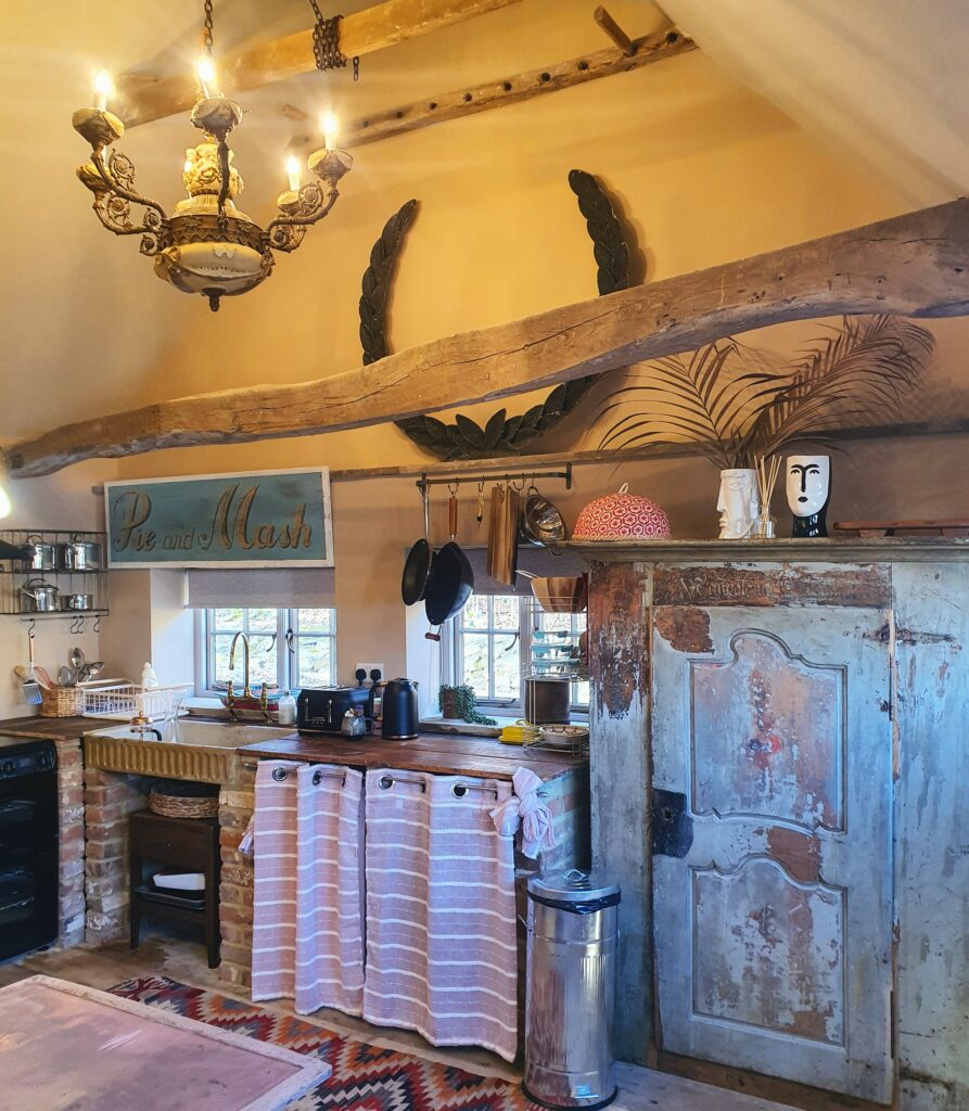 The Workshop Self-Catering Cottage in Rye - kitchen