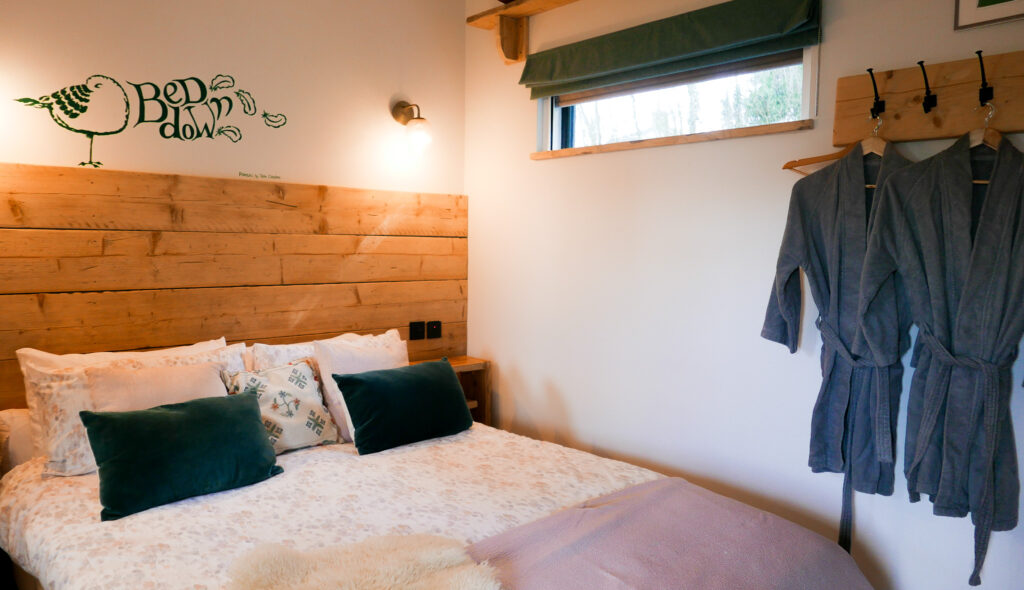 the-roost-glamping-in-forest-of-dean-bedroom
