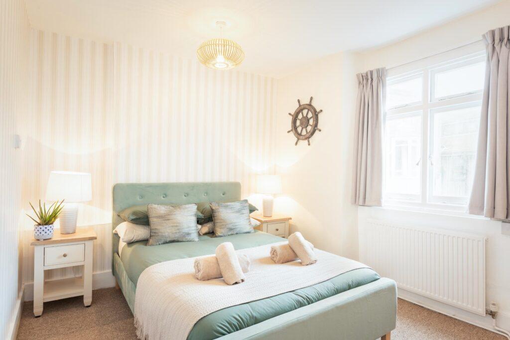 dog-friendly-cottage-lyme-regis main bedroom