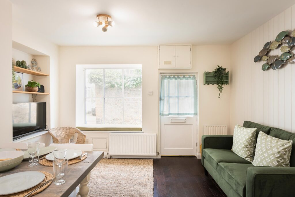 dog-friendly-cottage-lyme-regis lounge and front door