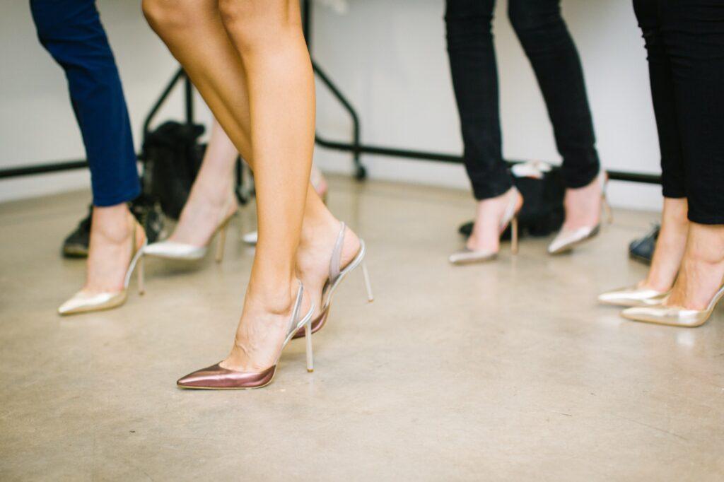 hen-party-dance-classes girls in heels