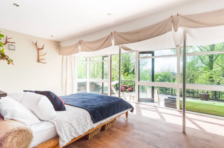 up glamping cabin in the forest of dean - bedroom