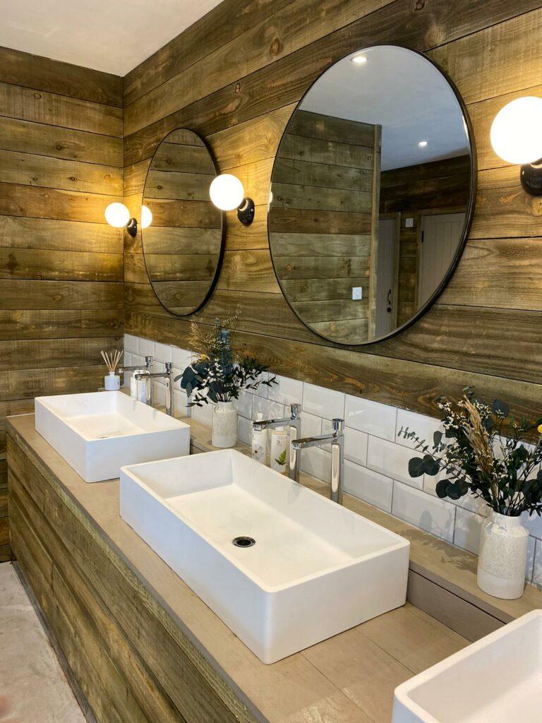 cornish-retreat-cabilla bathroom in the barn