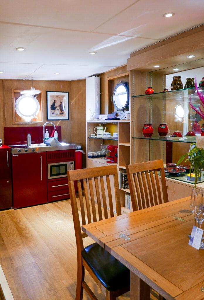 SULA-Lightship-Gloucester-Docks kitchen and dingin