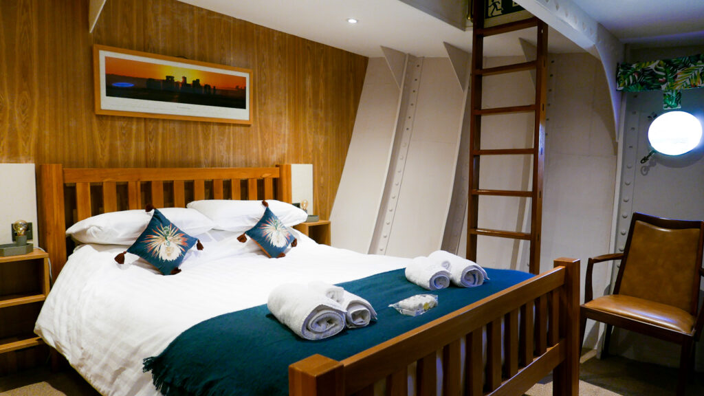 SULA-Lightship-Gloucester-Docks master bedroom