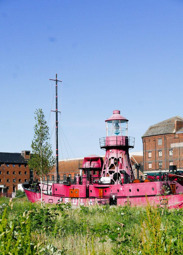 SULA-Lightship-Gloucester-Docks boat through grass