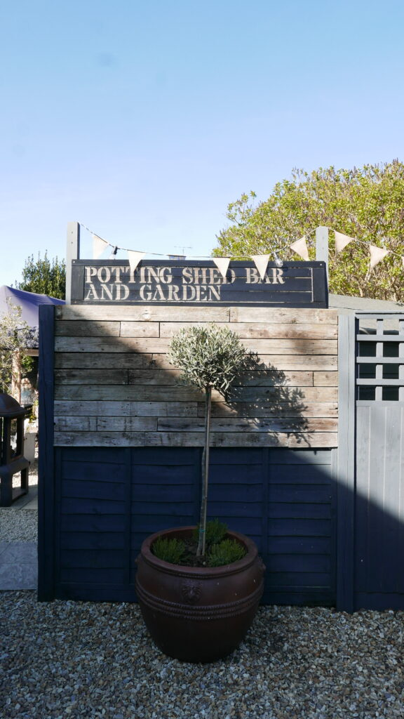 dark-bear-bridport-potting-shed: entrance