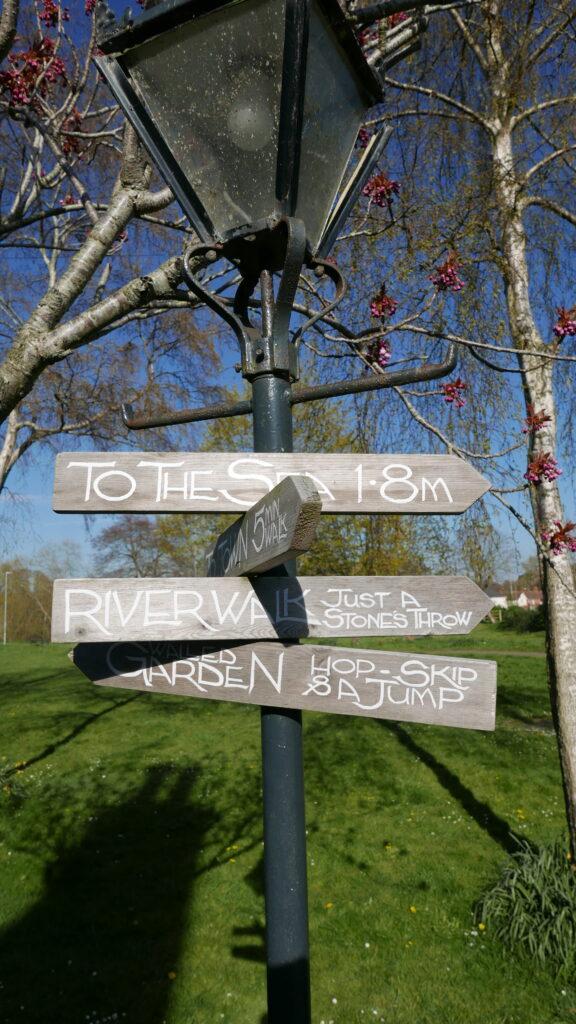 dark-bear-bridport-potting-shed: sign