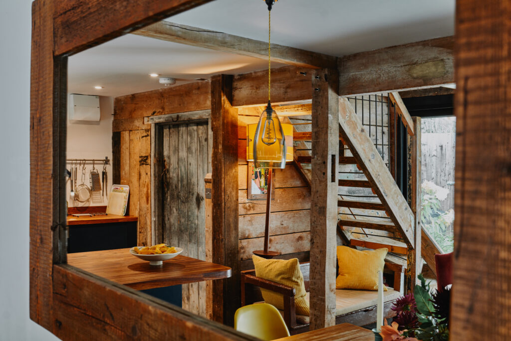 self-catering-ross-on-wye The Hayloft at Mad Dogs and Vintage Vans: Lounge