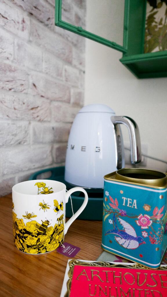 eastbury_hotel-sherborne potting Shed Suite interior kettle
