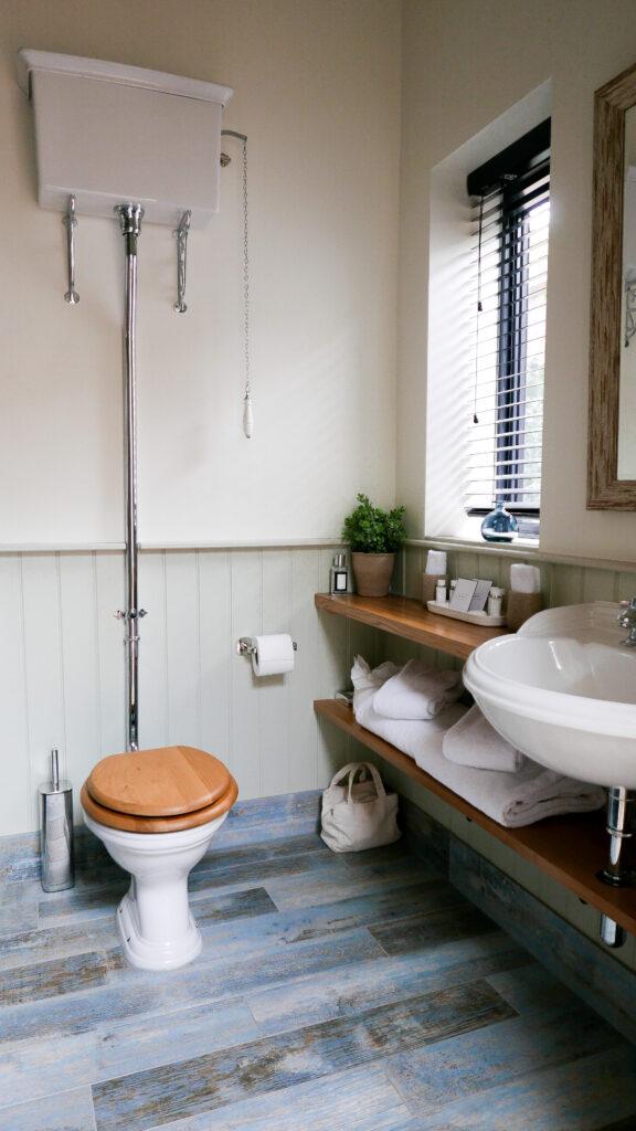 eastbury_hotel-sherborne potting Shed Suite interior bathroom