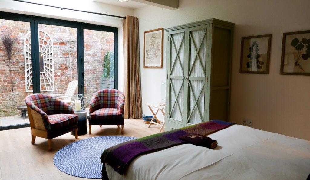 eastbury_hotel-sherborne potting Shed Suite interior bedroom