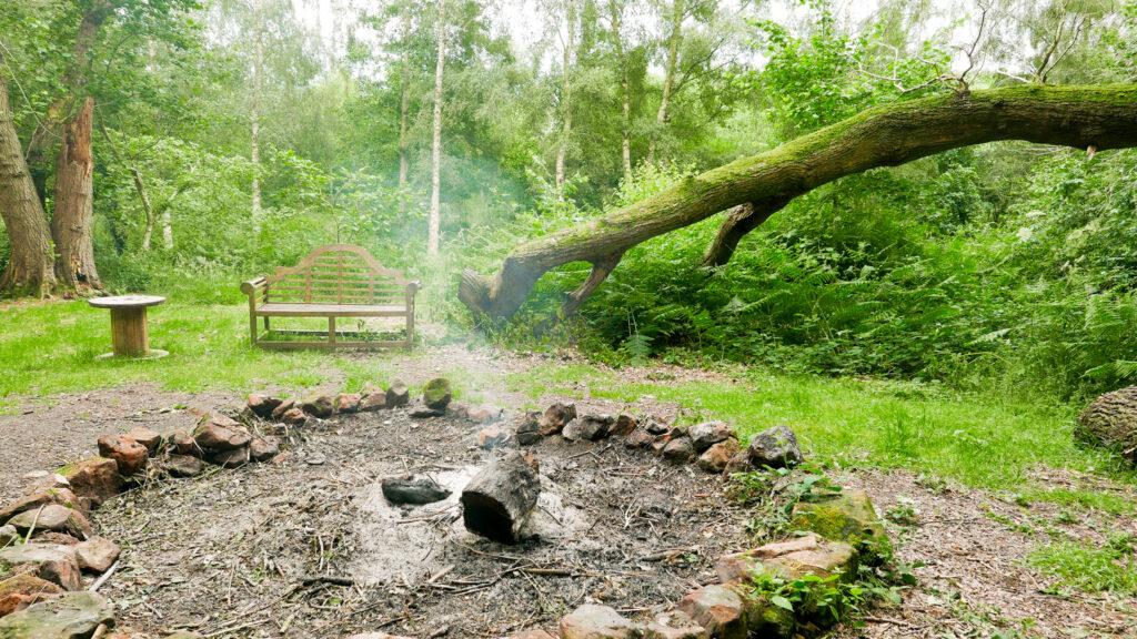 log cabins Shropshire - fire pit