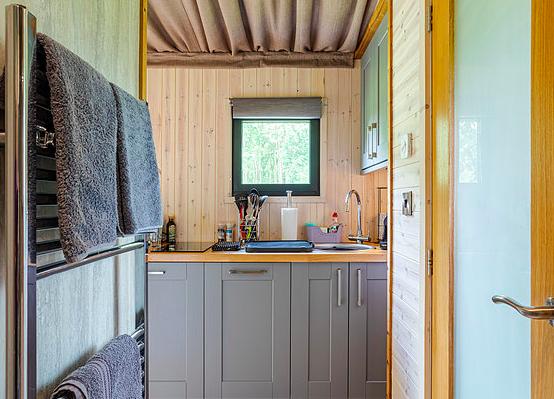 log cabins Shropshire - inside riverside cabin