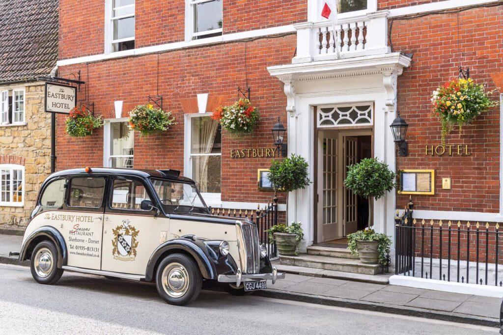 eastbury_hotel-sherborne taxi and exterior