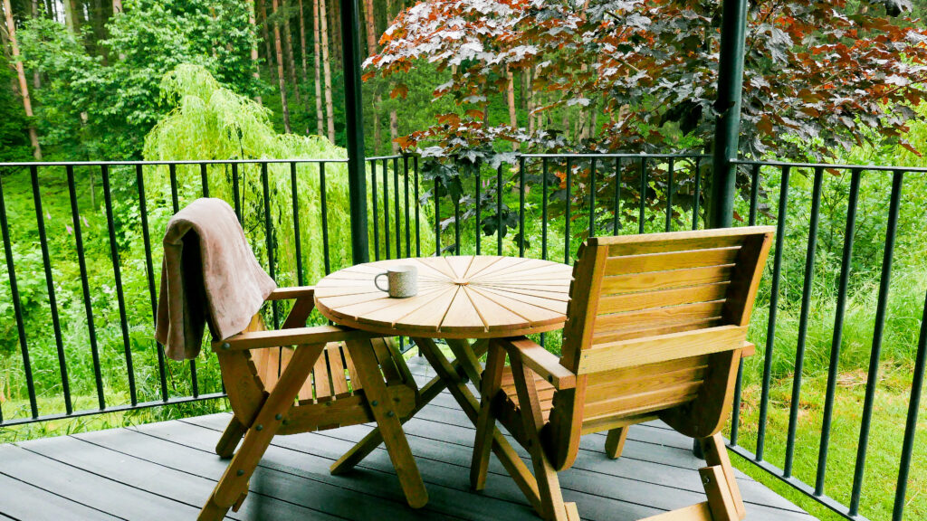 log cabins Shropshire - wooden deck