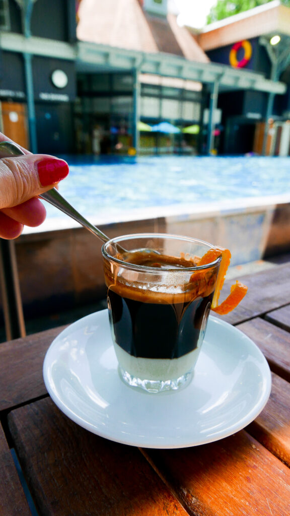 Thames Lido in Reading - coffee
