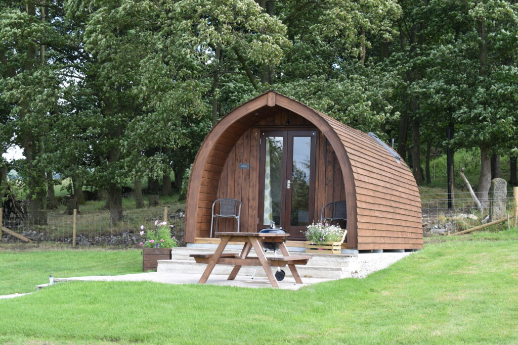 Peak district glamping - pod and garden