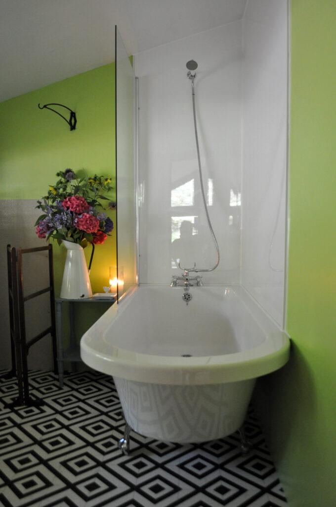 Peak district glamping - bathtub