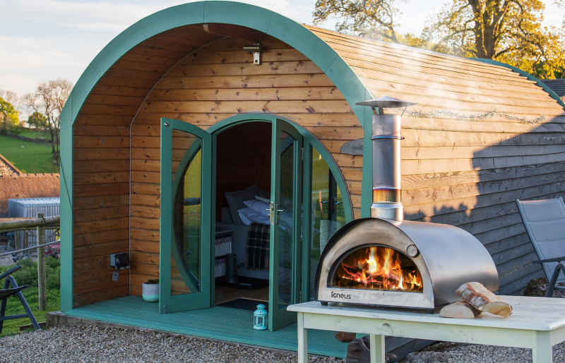 Peak district glamping - pod pizza oven