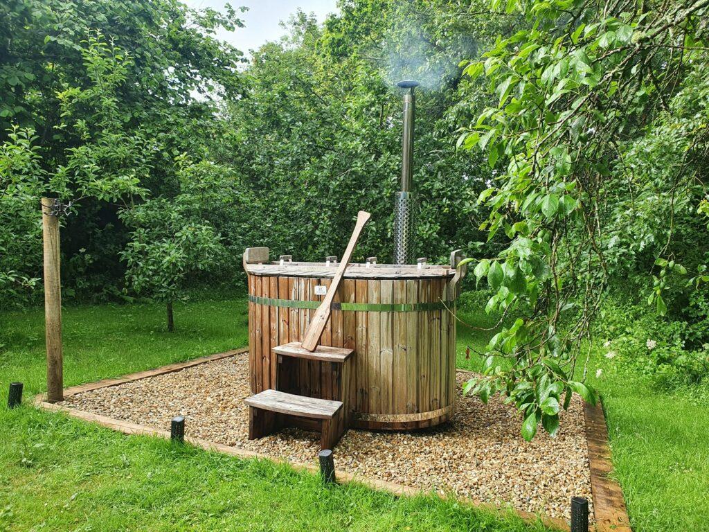 Shepherds Huts Cornwall - Safari Cornwall, hot tub