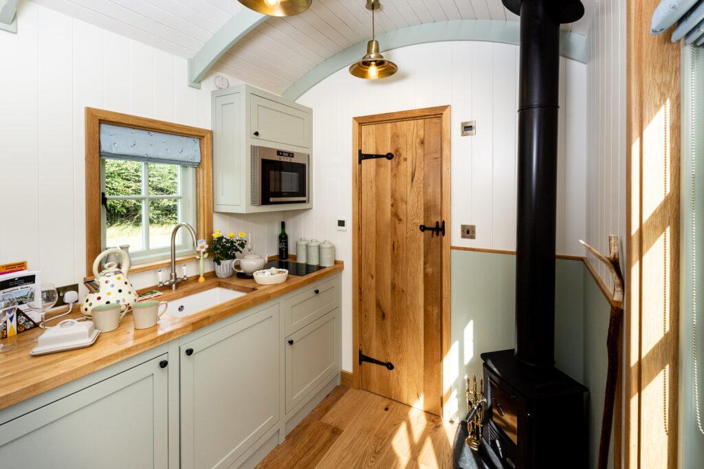 ewe-glamping-northamptonshire - inside shepherds hut