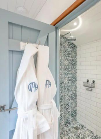 glamping-looe-daisy-park-hut - bath robes