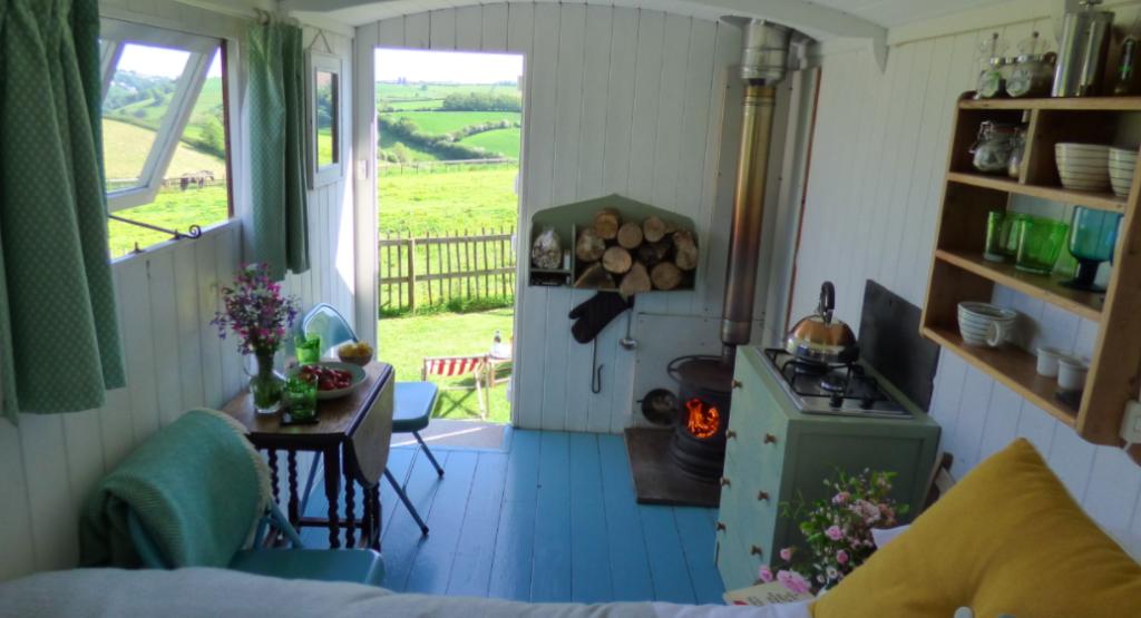 Hideaway Huts on Treworgey Farm - Inside