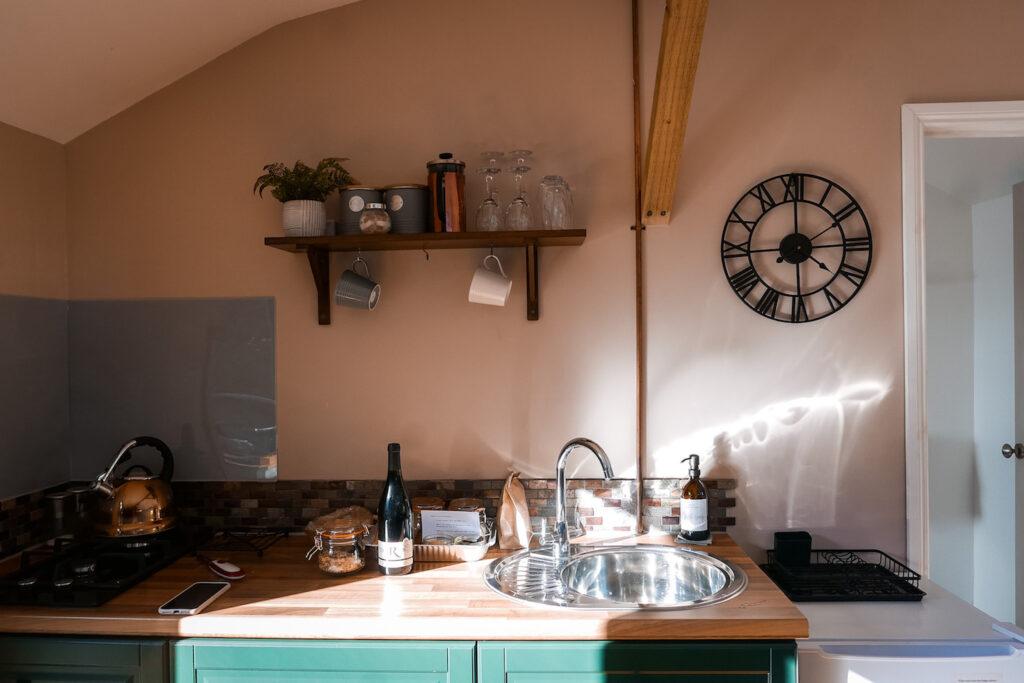 royal oak stargazing cabins devon kitchen