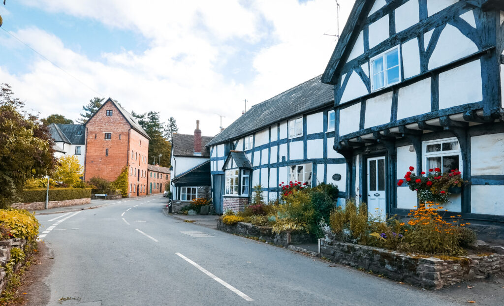 black and white village trail, herefordshire: Weobley
