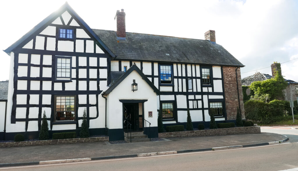 new inn st owens cross: exterior