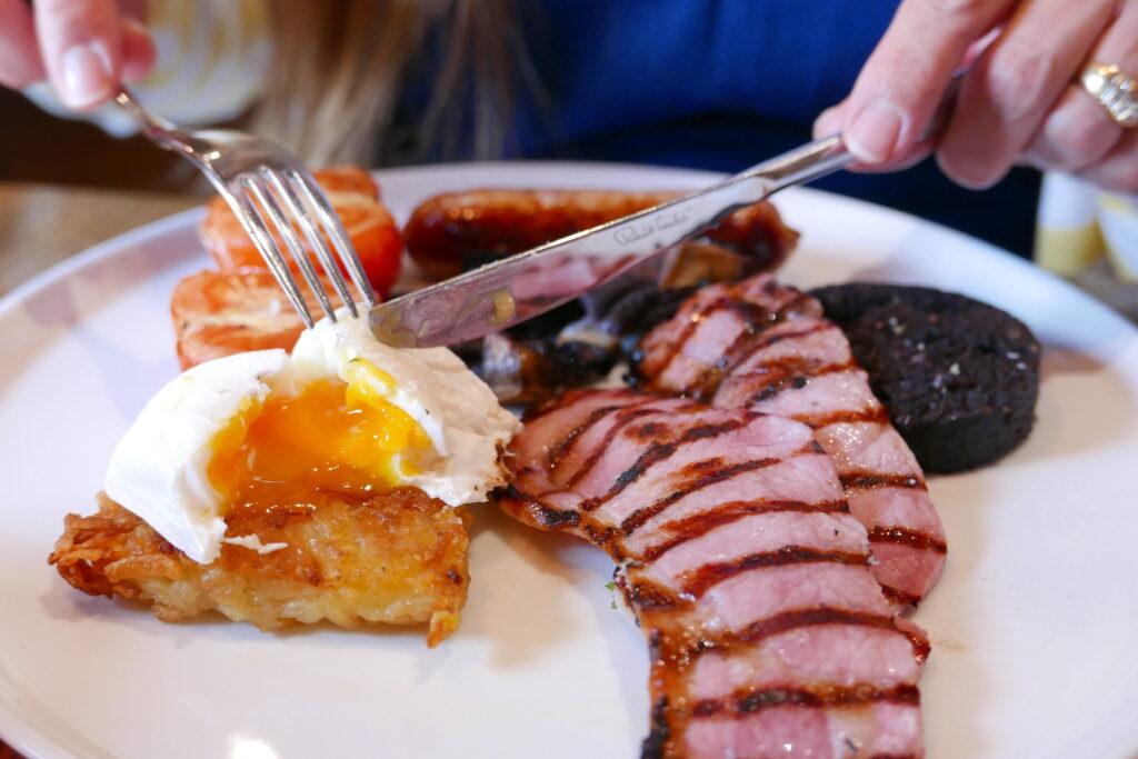 new inn st owens cross: breakfast