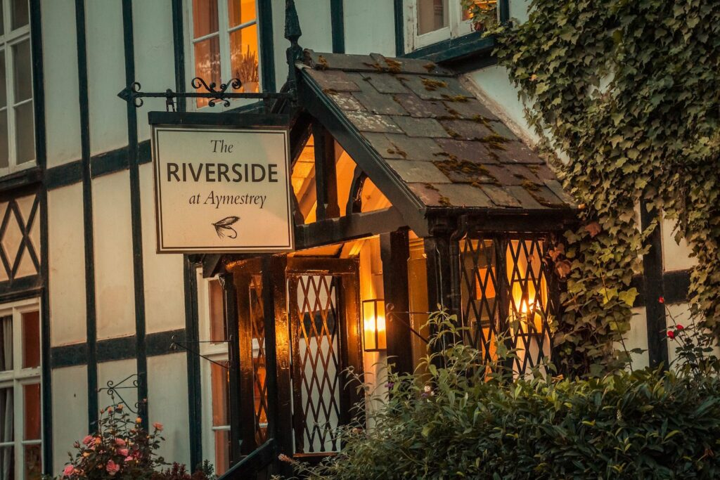 riverside pub aymestery - outside