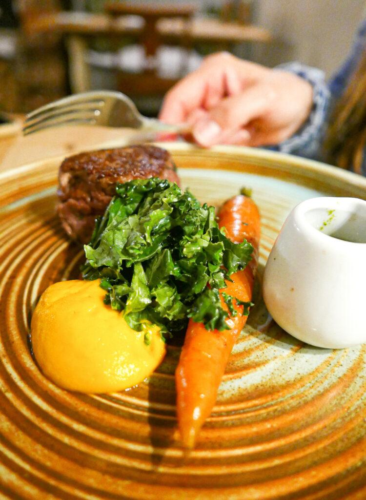riverside pub aymestery - food